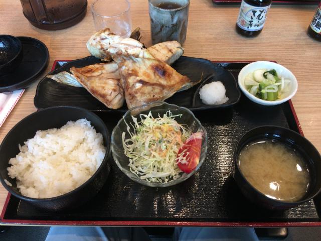 御徒町ランチ 新しいけど懐かしい!?吉池食堂 本日の焼き魚定食はMEGA盛りでした!