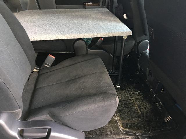 デリカD5車中泊ベッドを車中飯仕様にアップデート