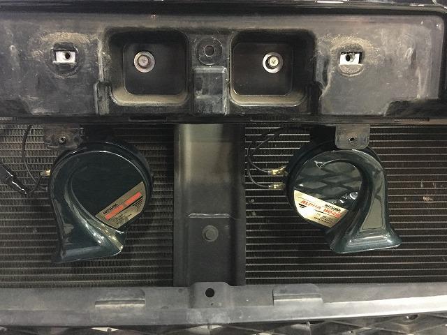 デリカD5のホーン交換 ボンネットの開け方から取り付け方法まで