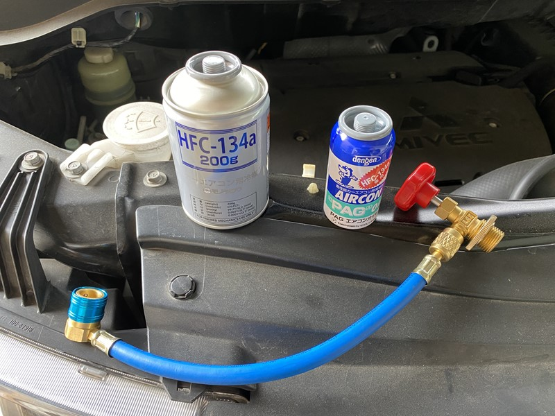 【デリカD5】車のエアコンが効かなくなったのでガスを補充してみた