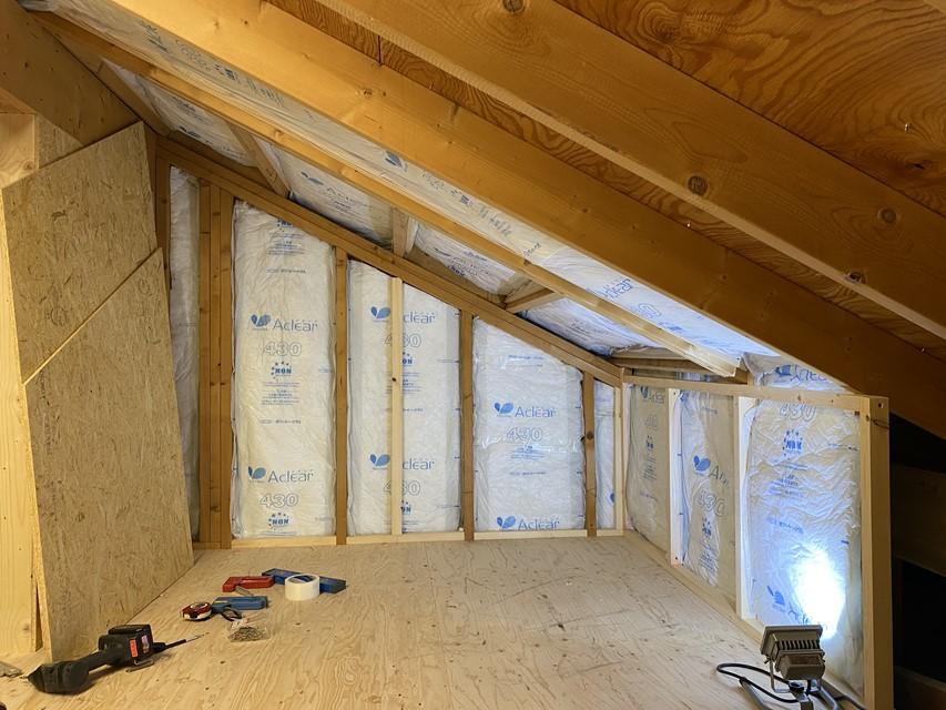 屋根裏収納DIY⑥ 断熱・天井・カベ作り
